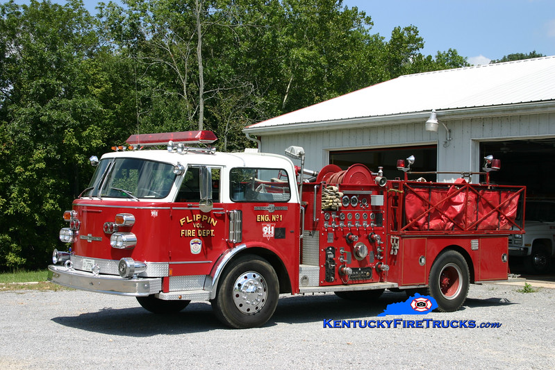 <center> Flippin  Engine 1 <br> x-Lafayette, TN <br> 1976 American LaFrance Century 1500/500 <br> Kent Parrish photo </center>