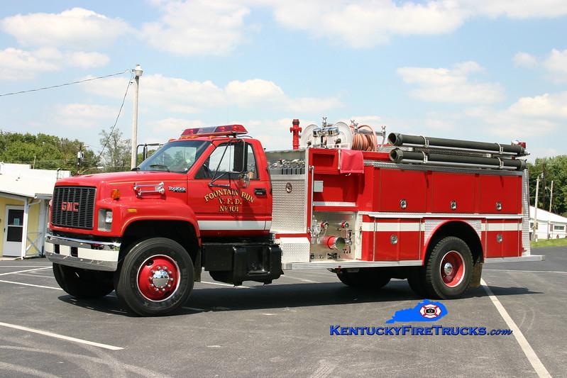 <center> Fountain Run  Engine 101 <br> 1992 GMC Topkick/E-One 1250/1000 <br> Kent Parrish photo </center>