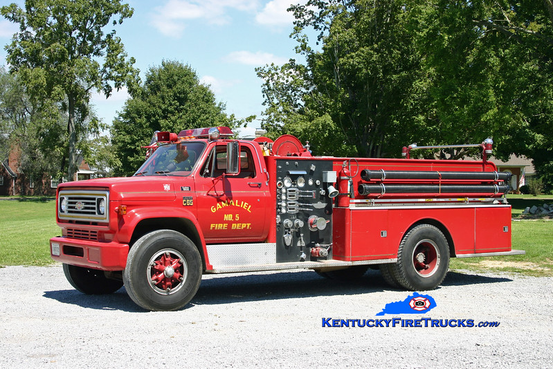 <center> Gamaliel  Engine 5 <br> 1977 Chevy C65/American 1000/750 <br> Kent Parrish photo </center>