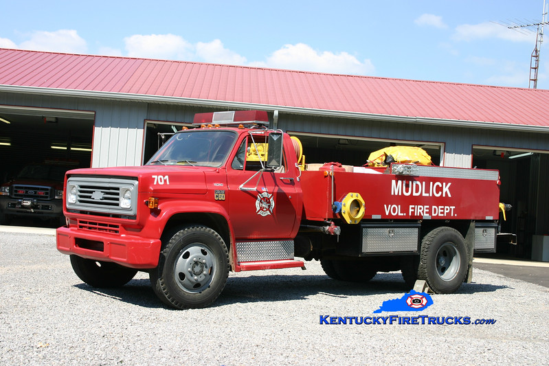 <center> RETIRED <br> Mud Lick  Tanker 701 <br> 1977 Chevy C60/Local 150/1500 <br> Kent Parrish photo </center>
