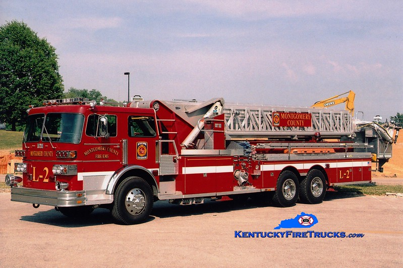 <center> Montgomery County  Ladder 2 <br> x-Kearney, NE <br> 1980 Sutphen 1500/300/100' <br> Greg Stapleton photo </center>