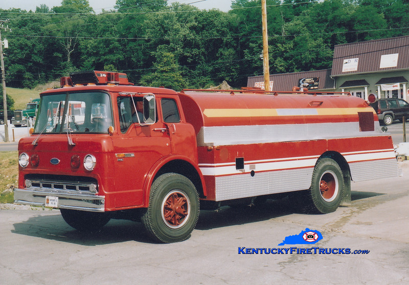 RETIRED<br /> Montgomery County Tanker 1<br /> 1986 Ford/Local 250/2000<br /> Greg Stapleton photo