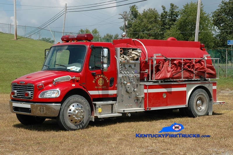 <center> Blackwater  Tanker 701 <br> 2004 Freightliner M2-106/E-One/Superior 500/2000 <br> Greg Stapleton photo </center>