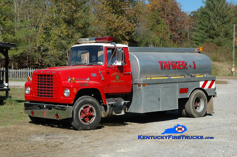 Highway 172  Tanker 503<br /> x-Rural Security/North Lebanon Twp, PA <br /> 1971 Ford L-800/Allied 250/2500<br /> Greg Stapleton photo