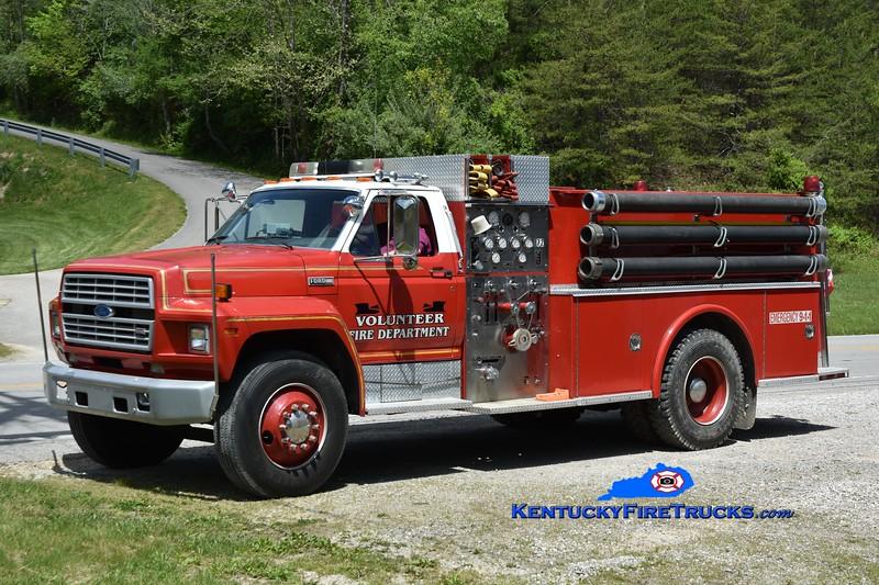 Highway 172 Engine 502<br /> x-519 VFD, KY <br /> 1985 Ford F-800/SPI 1000/750<br /> Greg Stapleton photo