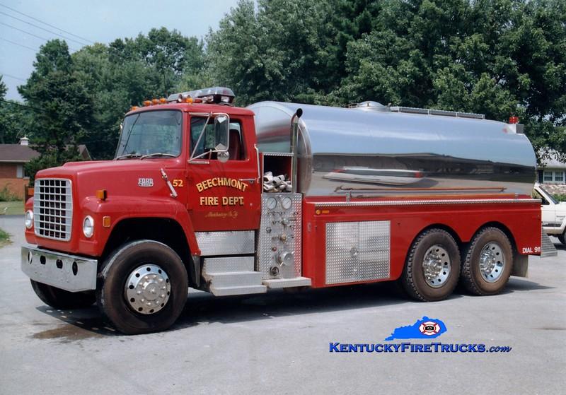 <center> Beechmont  Tanker 52  <br> 1992 Ford L/Bluegrass 500/3200 <br> Greg Stapleton photo </center>