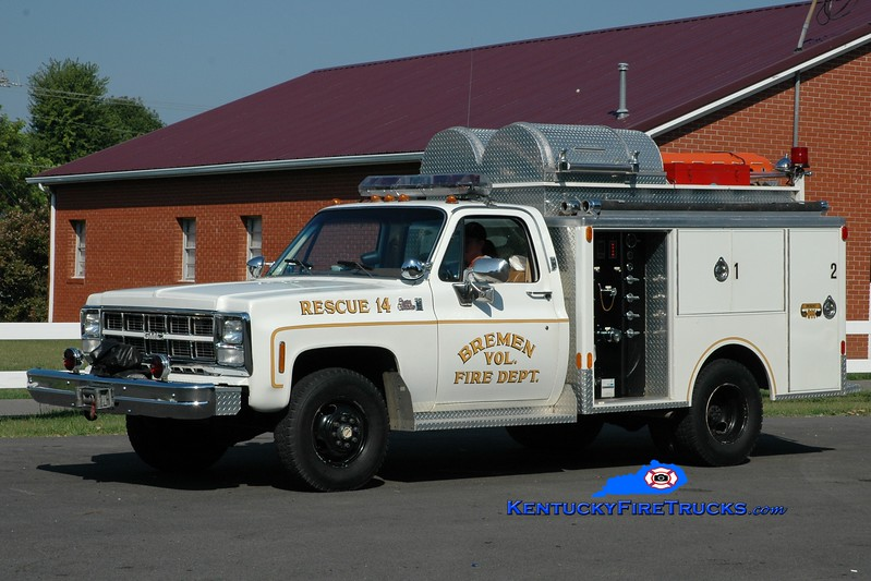 <center> RETIRED <br> Bremen  Rescue 14 <br> 1985 GMC 35 4x4/Indiana 250/250 <br> Greg Stapleton photo </center>