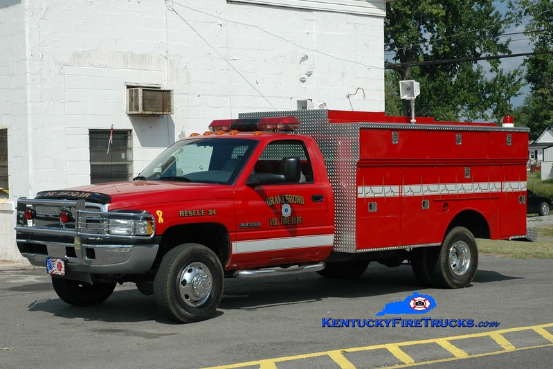 <center> Drakesboro  Rescue 34 <br> 2000 Dodge 4x4/Knapheide  <br> Greg Stapleton photo </center>