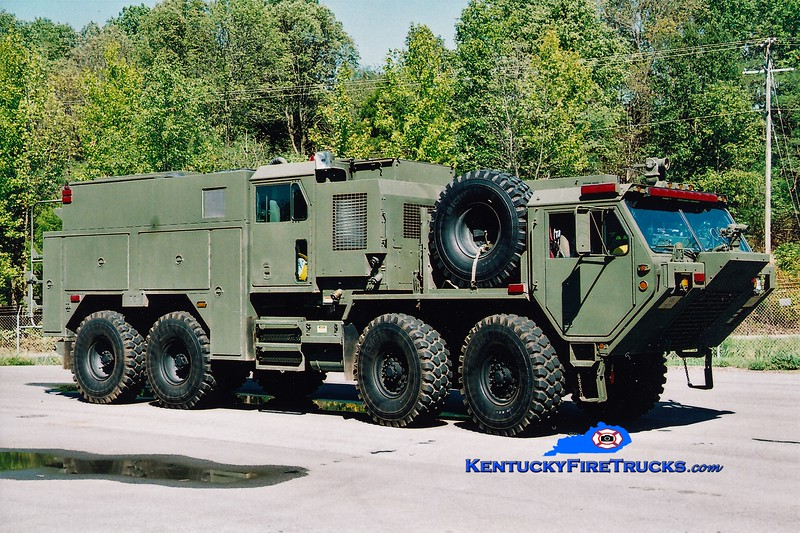 Kentucky National Guard  Engine 4 <br /> 2004 Oshkosh HEMTT M977/Pierce TFFT 1000/1000/60/60<br /> Greg Stapleton photo