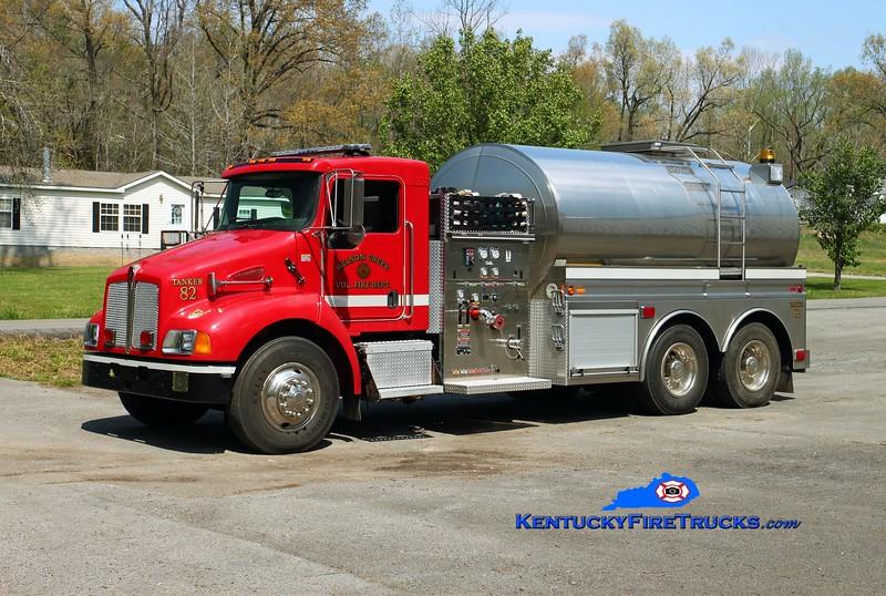 Nelson Creek  Tanker 82<br /> 2005 Kenworth T-300/Bluegrass 500/3000<br /> Kent Parrish photo
