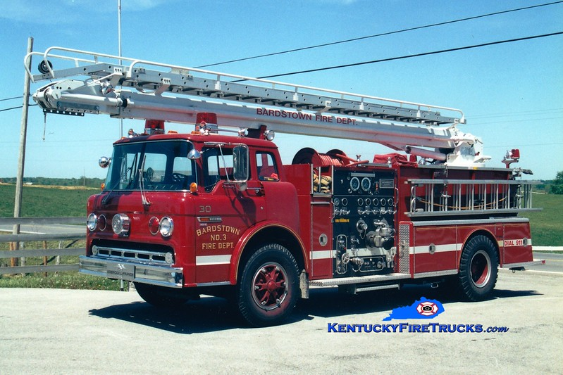 <center> RETIRED <br> Bardstown Engine 30 <br> 1984 Ford C/American LaFrance 1000/400/50' Telesqurt <br> Greg Stapleton photo </center>