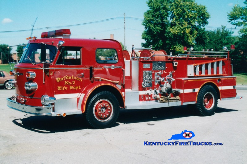 <center> RETIRED <br> Bardstown  Engine 33 <br> 1968 American LaFrance 900 Series 1000/500 <br> Greg Stapleton photo </center>