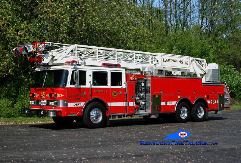 RETIRED<br /> Bardstown Ladder 1<br /> X-Newtown, PA<br /> 1988 Pierce Arrow 1250/300/105'<br /> Kent Parrish photo