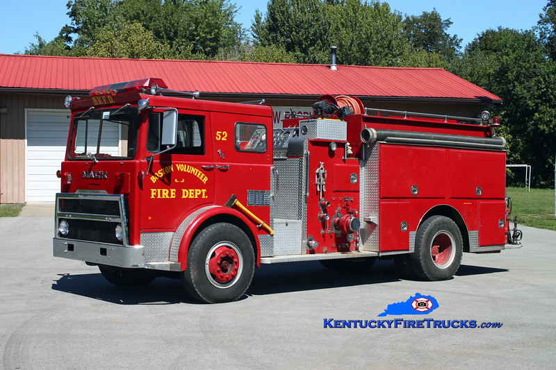 <center> RETIRED <br> Boston  Engine 52 <br> x-Indianapolis, IN <br> 1976 Mack MB/Howe 1250/1000 <br> Kent Parrish photo </center>