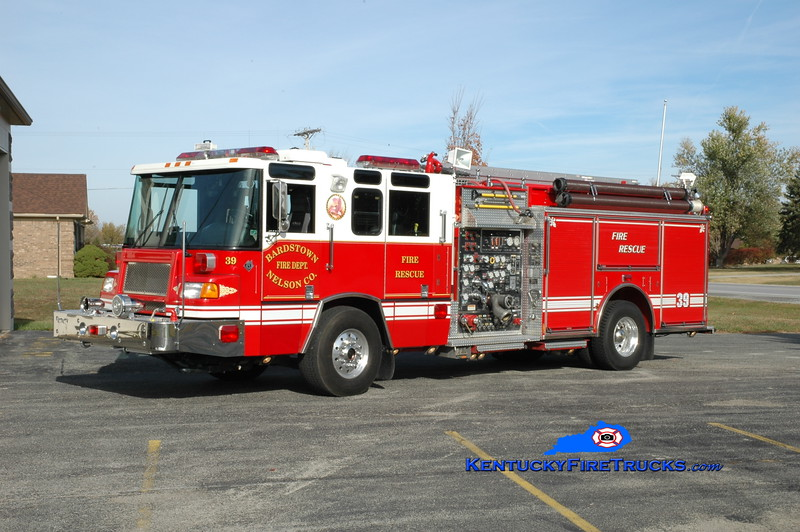 <center> Bardstown-Nelson County  Engine 39 <br> x-Newtown, PA <br> 1997 Pierce Quantum 2000/750 <br> Greg Stapleton photo </center>