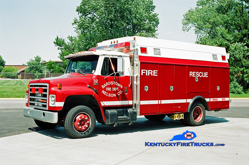 <center> RETIRED <br> Bardstown-Nelson County  Rescue 32 <br> 1987 International/Stahl  <br> Kent Parrish photo </center>