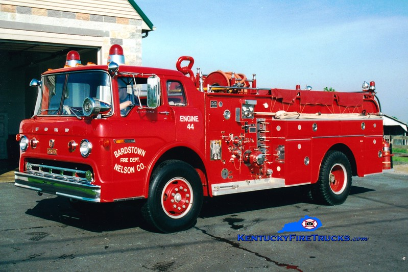 <center> RETIRED <br> Bardstown-Nelson County  Engine 44 <br> x-Buechel, KY <br> 1970 Ford C/Oren 1000/500 <br> Greg Stapleton photo </center>