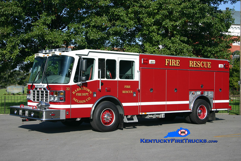 <center> Bardstown-Nelson County  Rescue 32 <br> 2006 Ferrara Igniter 500/300/30 <br> Kent Parrish photo </center>