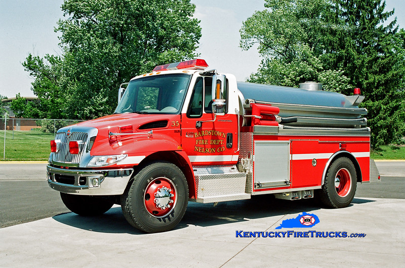 <center> Bardstown-Nelson County  Tankers 35 and 40 (Twins) <br> 2003 International 4400/Bluegrass 250/2200 <br> Kent Parrish photo </center>