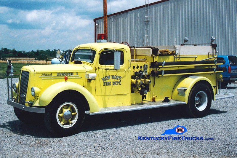 <center> RETIRED <br> New Hope  Engine 1 <br> x-US Army Fort Knox, KY <br> 1946 Mack S 750/650 <br> Greg Stapleton photo </center>