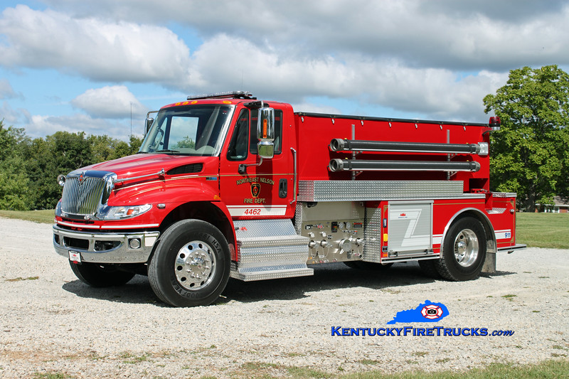 <center> Northeast Nelson  Tanker 4462 <br> 2011 International 4400/Midwest Fire 500/2000 <br> Kent Parrish photo </center>
