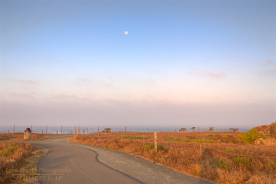 FB-190817-0001 Moon in the west at sunrise near the Compass Rose viewpoint