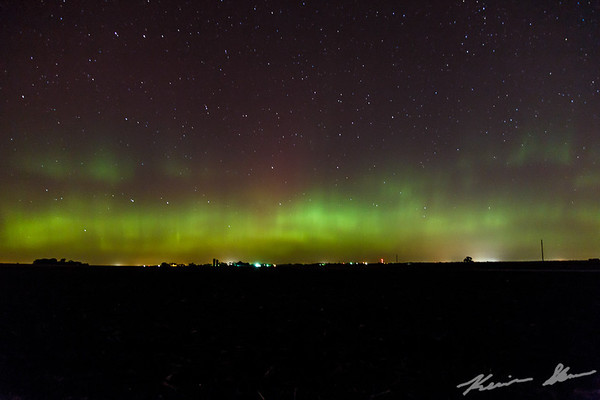 A waning aurora curtain over the Iowa skies