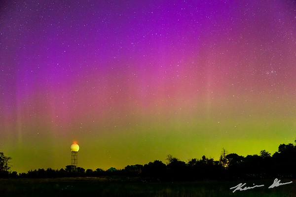 Aurora over the Des Moines radar
