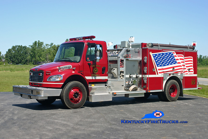 <center> Cromwell  Engine 85 <br> 2005 Freightliner M2/E-One 1250/1000 <br> Kent Parrish photo </center>
