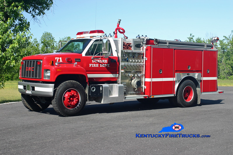 <center> RETIRED <br> *Destroyed by a fire in the station <br> Dundee  Engine 71 <br> 1999 GMC C8500/E-One 1250/1000 <br> Kent Parrish photo </center>