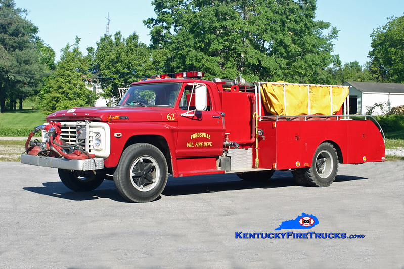 <center> RETIRED <br> Fordsville  Tanker 62 <br> 1971 Ford F-600/Local/FFD 250/1200 <br> Kent Parrish photo </center>