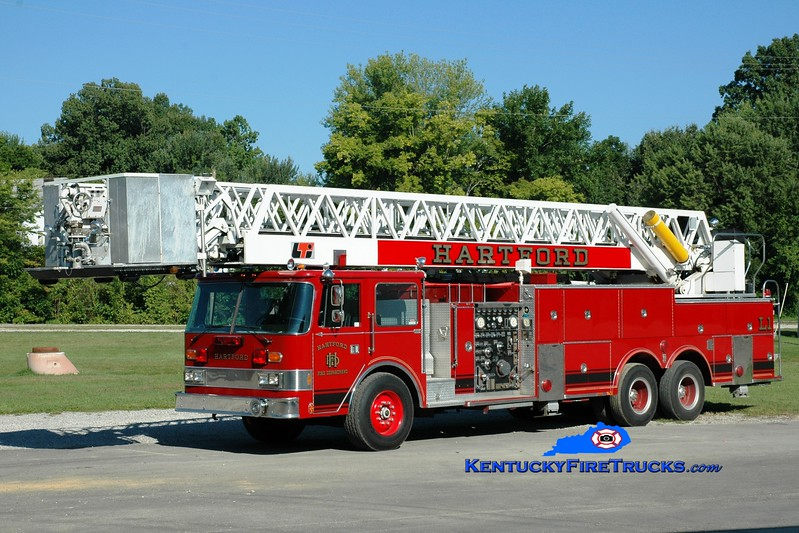 <center> Hartford  Ladder 1 <br> x-Greenville, OH <br> 1984 Pierce Arrow/LTI 1500/200/100' <br> Greg Stapleton photo </center>