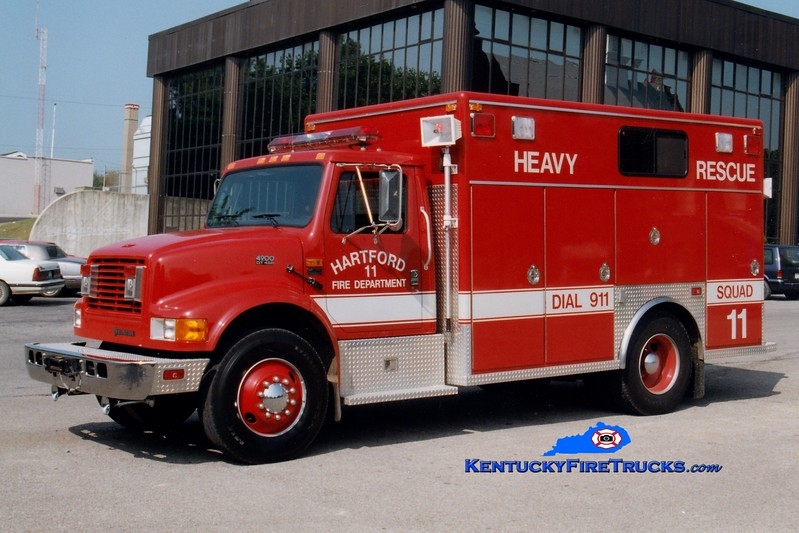 <center> RETIRED <BR> Hartford  Squad 11 <br> 1994 International 4900/EVI  <br> Greg Stapleton photo </center>