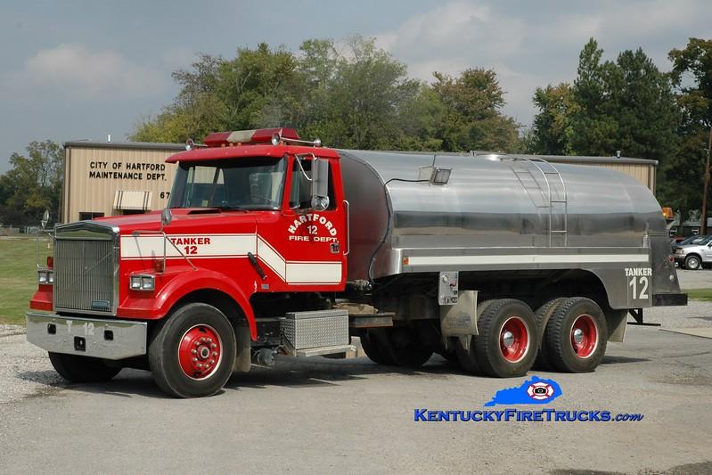 <center> Hartford  Tanker 12 <br> 1990 White-GMC/1974 Bluegrass 0/3500 <br> Greg Stapleton photo </center>