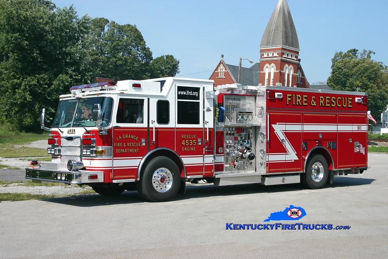 <center> La Grange  Engine 4535 <br> 2005 Pierce Arrow XT 1500/700/30/20 <br> Kent Parrish photo </center>