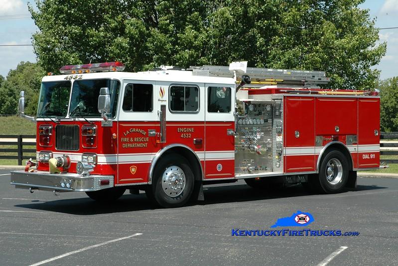 <center> La Grange  Engine 4532 <br> 1996 Seagrave Commander 1500/750 <br> Greg Stapleton photo </center>