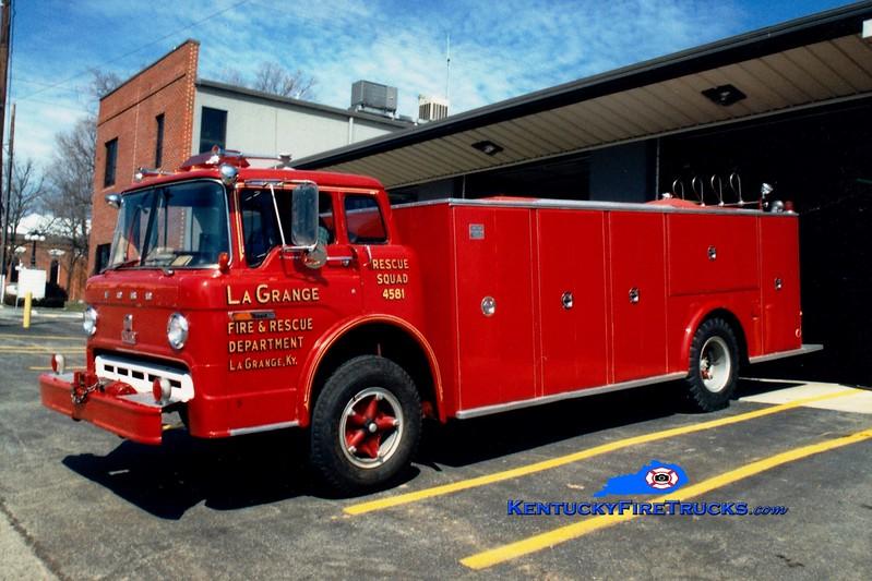 <center> RETIRED <br> La Grange  Rescue 4581  <br> 1974 Ford C/Oren City Service Truck/Rescue <br> Greg Stapleton photo </center>