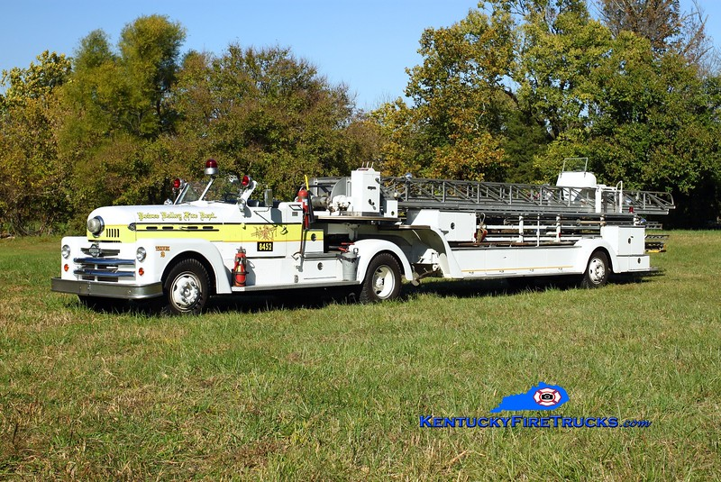 <center> This rig was original to St Bernard, OH and also served Louisa in Lawrence County, KY.   It is now 1 of 5 rigs privately owned by a Lexington firefighter and apparatus buff, residing in Oldham County.  It is fictitiously lettered for Pewee Valley.  <br> <br>  x-St Bernard, OH &amp; Louisa, KY <br> 1958 Seagrave 900T100 <br>  Kent Parrish photo </center>
