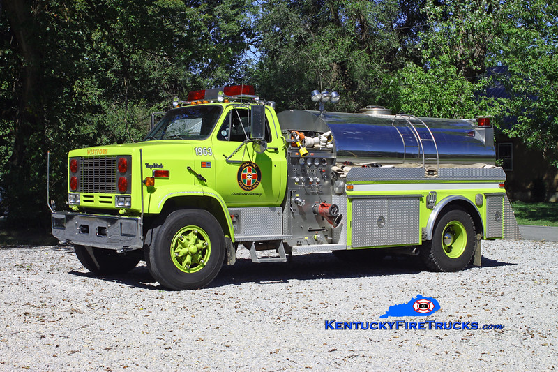 <center> Westport  Tanker 1963 <br> x-New Fairfield, CT   <br> 1985 GMC 7000/4-Guys 1000/2000 <br> Kent Parrish photo </center>