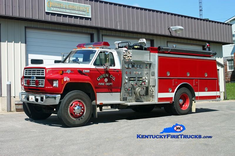 <center> Owen County  Engine 9920 <br> 1990 Ford F-800/KME 1250/1000<br> Kent Parrish photo </center>