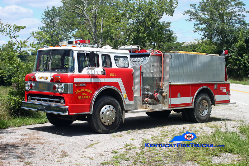 <center> RETIRED <br> South Owen  Engine 9521 <br> 1977 Ford C-900/Pierce 1000/1000<br> Kent Parrish photo </center>