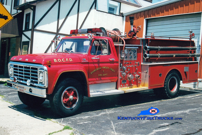 <center> Booneville-Owsley County  Engine 1  <br> 1978 Ford F-750/Jaco 750/750 <br> Greg Stapleton photo </center>