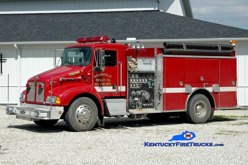 <center> Booneville-Owsley County  Engine 2  <br> 2002 Kenworth T-300/Pierce 1250/1000<br> Greg Stapleton photo </center>