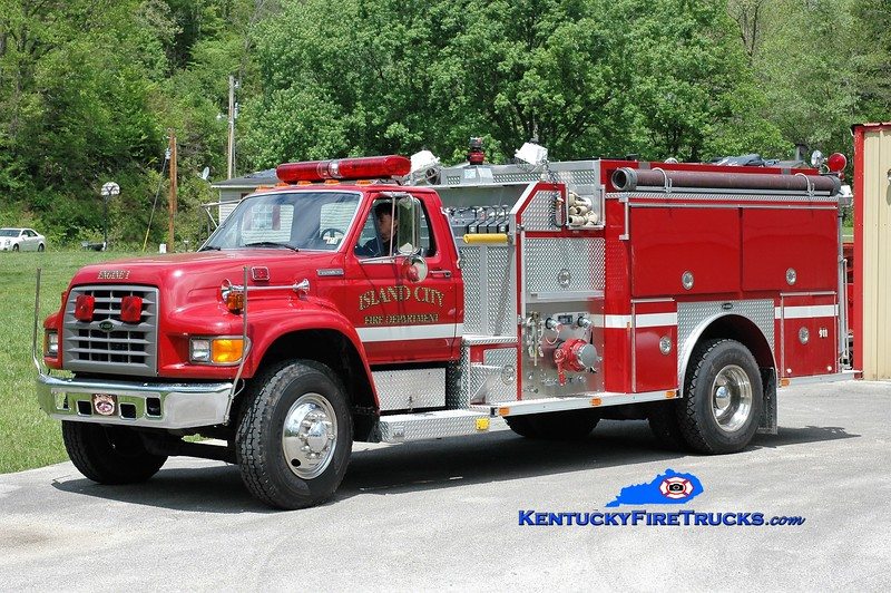Island City  Engine 1<br /> 1994 Ford F-800/E-One 1250/1000<br /> Greg Stapleton photo