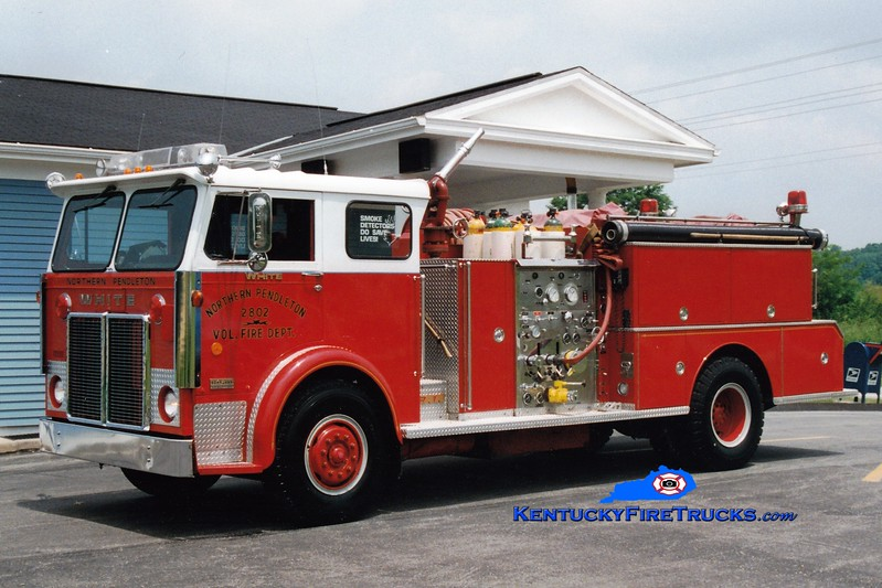 <center> RETIRED <br> Northern Pendleton Engine 2802 <br> x-Milford, OH <br> 1976 White/FMC-Bean 1000/750 <br> Greg Stapleton photo </center>