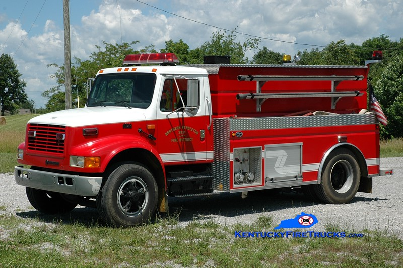 <center> Northern Pendleton  Tanker 2831  <br> 1995 International 4900/Wynn 250/1500 <br> Greg Stapleton photo </center>