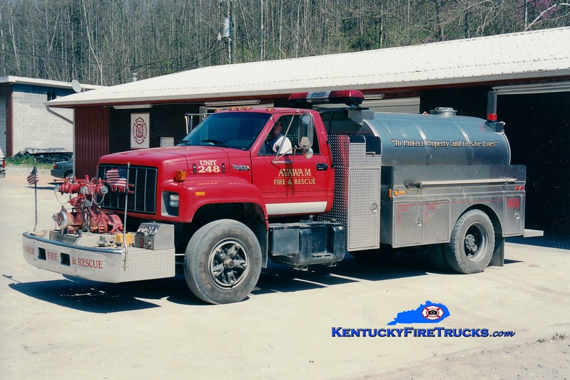 <center> Avawam  Tanker 248 <br> 1995 GMC Topkick/Bluegrass 500/1800 <br> Greg Stapleton photo </center>
