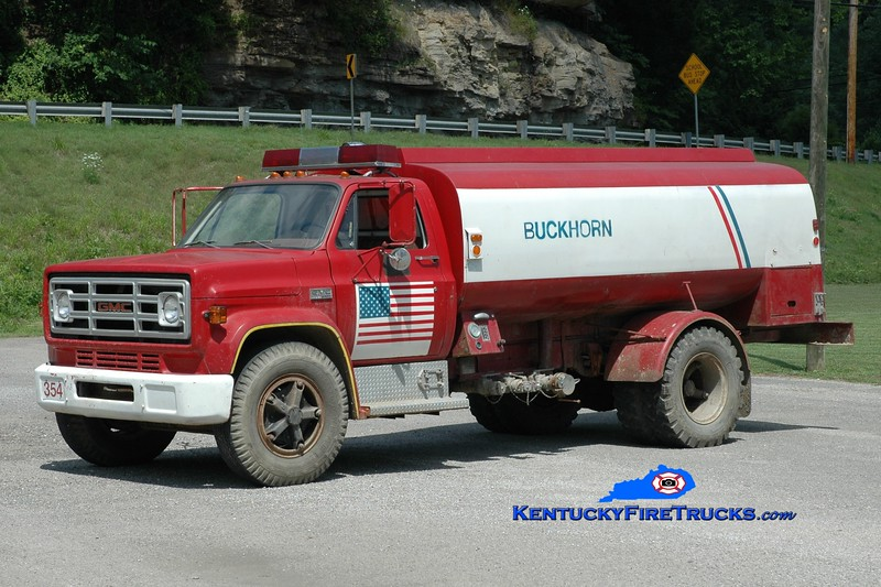 <center> Buckhorn  Tanker 354 <br> x-Ramtown, NJ <br> 1976 GMC 6500/Cherefko 250/1800 <br> Greg Stapleton photo </center>