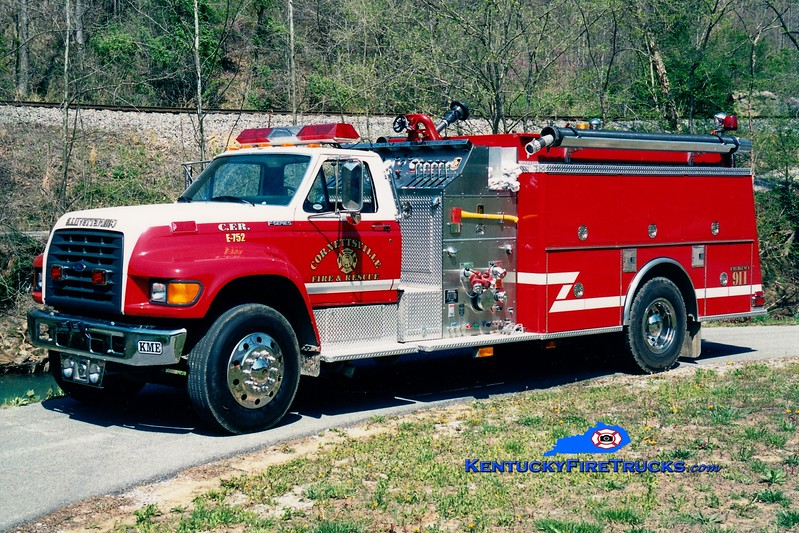 <center> Cornettsville  Engine 752 <br> 1997 Ford F-800/KME 1250/1000 <br> Greg Stapleton photo </center>