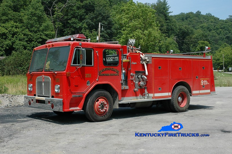 <center> Grapevine-Chavies Engine 251 <br> x-Mountain Lakes, NJ <br> 1982 Kenworth/Luverne 1000/750 <br> Greg Stapleton photo </center>